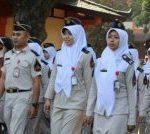 Pelaksanaan Upacara Bendera Dalam Rangka Peringatan Hari Pendidikan Nasional